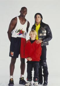 michael-jordan-and-michael-jackson-on-the-set-of-black-or-white